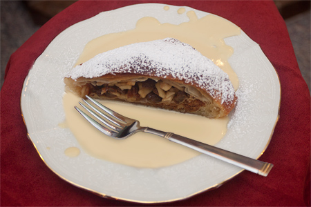 Country Sunshine Bed & Breakfast Apfel Strudel
