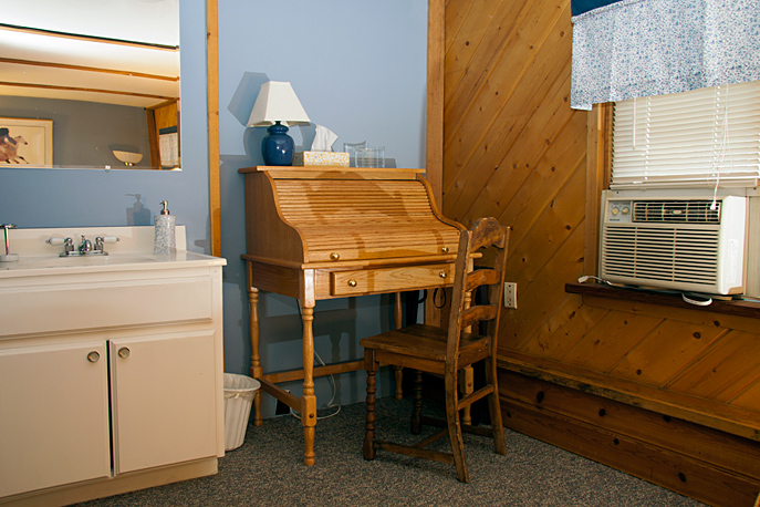 Country Sunshine Bed & Breakfast Early Bird Room