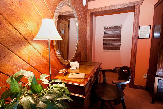Country Sunshine Bed & Breakfast Sunrise Room